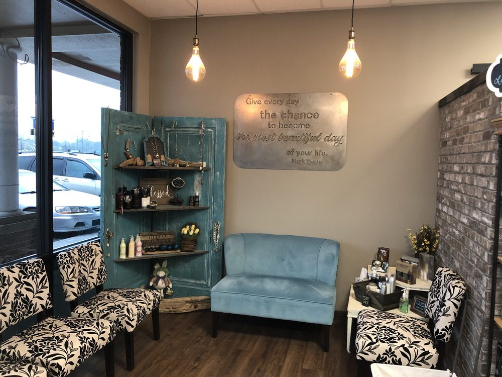 Salon OC: 8887 Town And Country Cir, Knoxville, TN