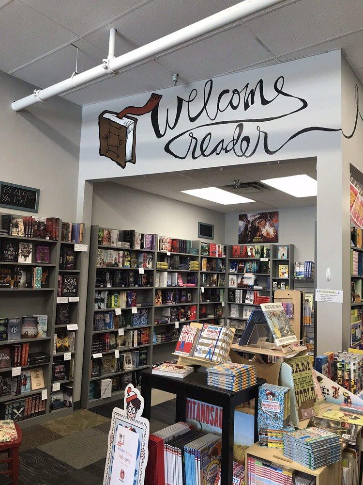 Plot Twist Bookstore: 502 N Ankeny Blvd, Ankeny, IA