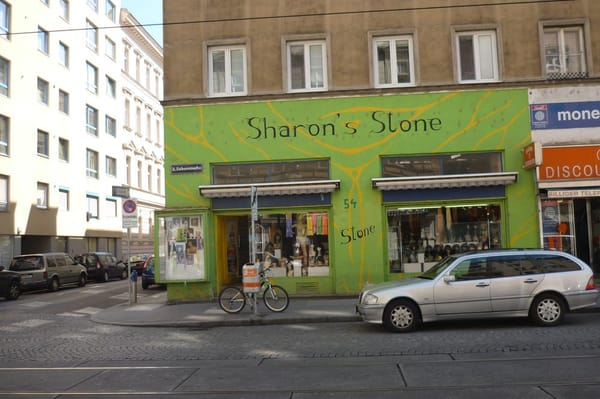 sharon s stone coiffeurs salons de coiffure tabortsra e 54 leopoldstadt vienne wien. Black Bedroom Furniture Sets. Home Design Ideas
