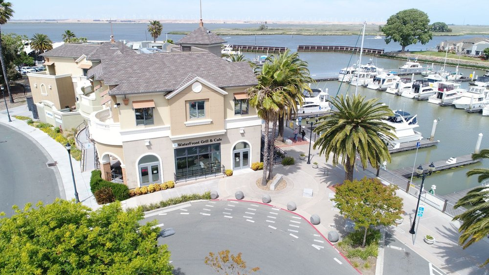 The Waterfront Grill & Cafe - Pittsburg