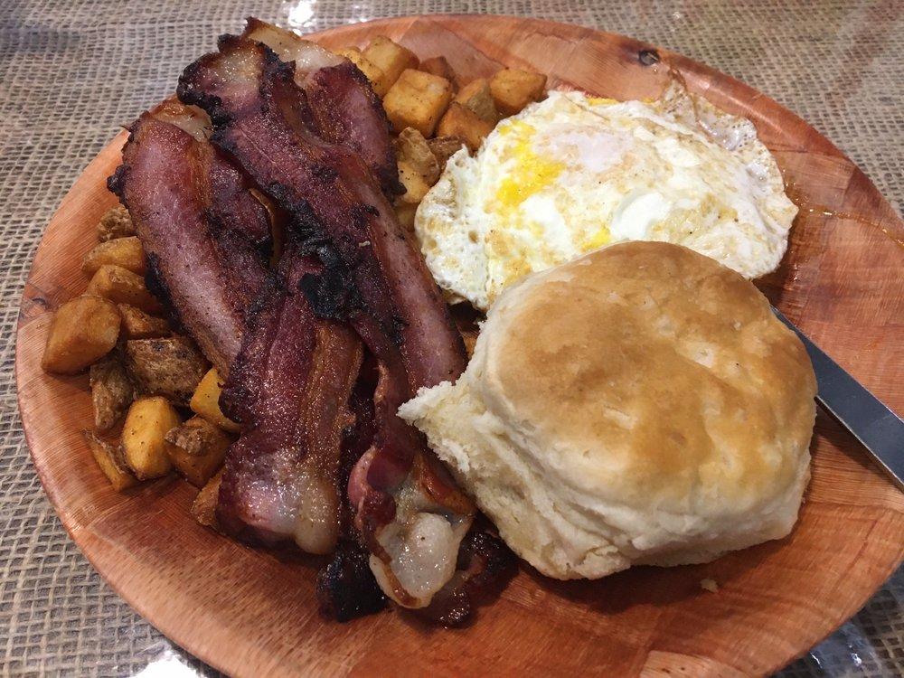 Belle's Ole South Diner: 4624 Cypress St, West Monroe, LA
