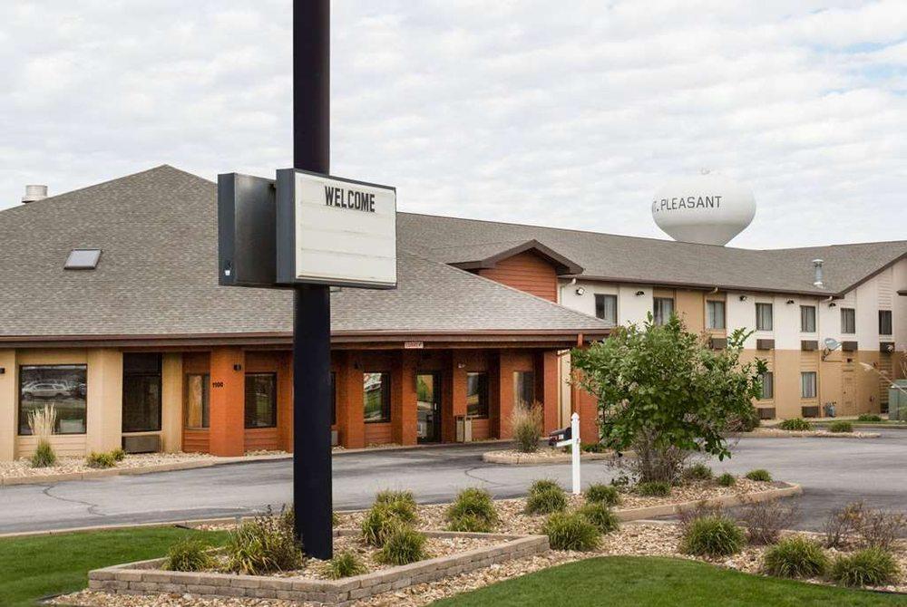 AmericInn by Wyndham Mount Pleasant: 1100 N Grand Ave, Mount Pleasant, IA