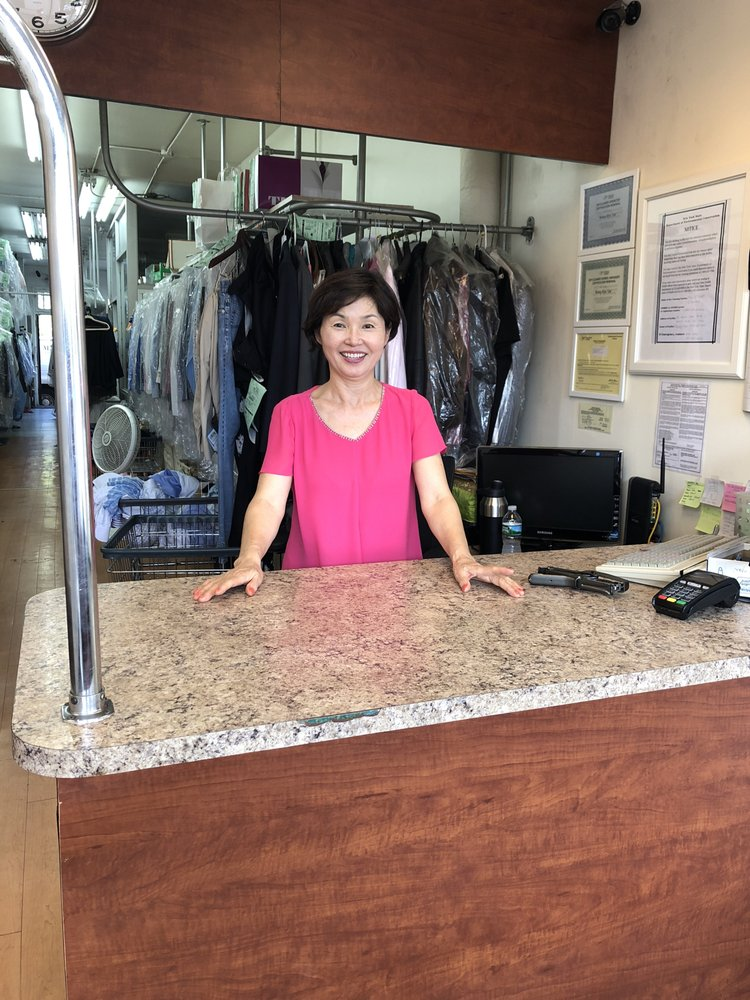 Mart Valet Cleaners: 35 Great Neck Rd, Great Neck, NY