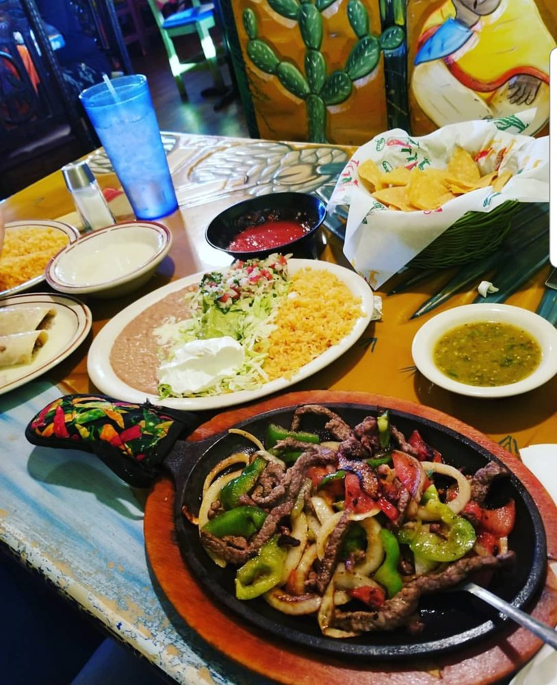 La Huerta Mexican Restaurant: 1510 E Main St, Russellville, AR