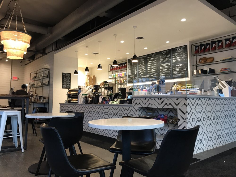 Hometown Coffee & Juice: 700 Vernon Ave, Glencoe, IL