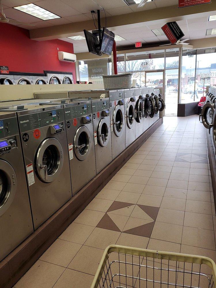 Farmingdale Village Laundromat: 425 Main St, Farmingdale, NY