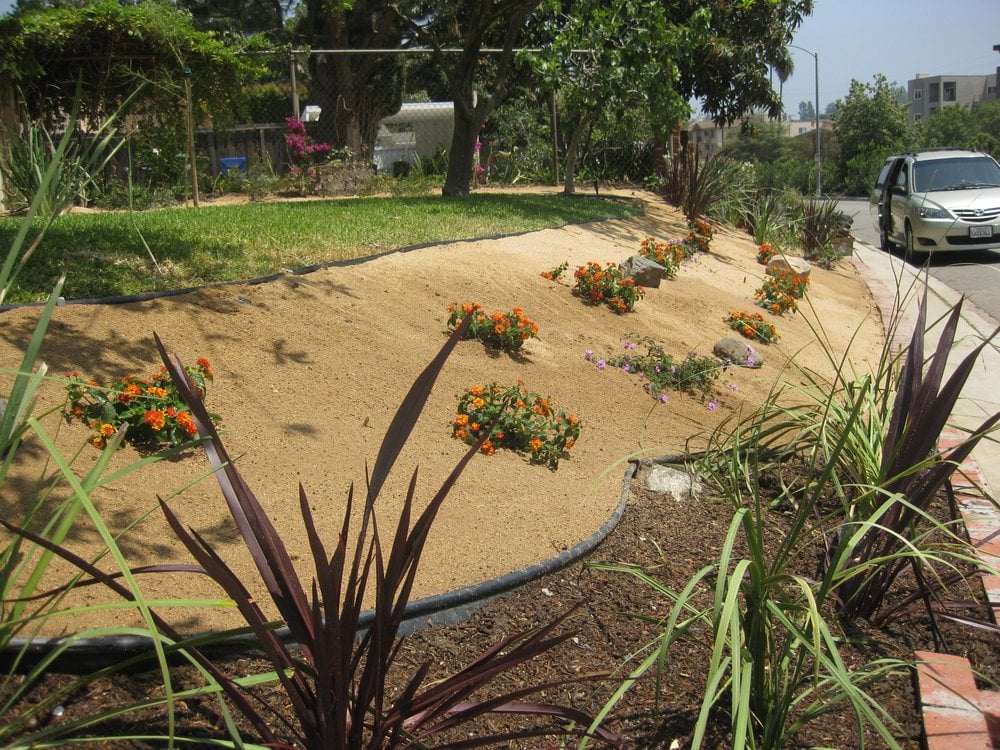 Decomposed Granite Installation And Planting Desert
