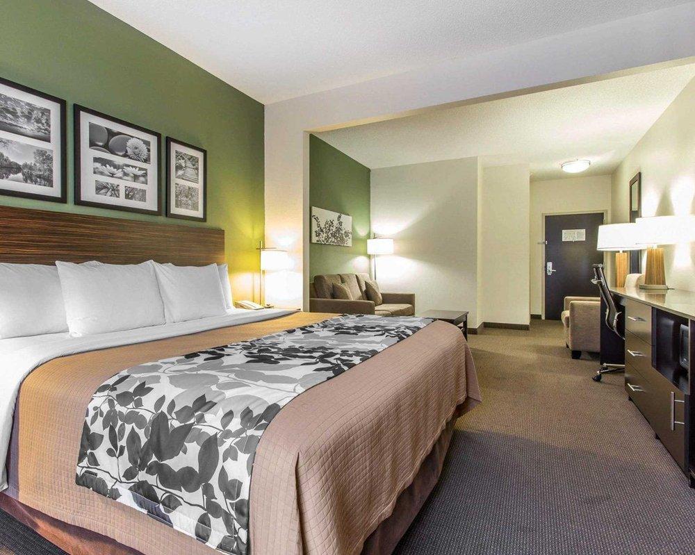 Sleep Inn & Suites: 1260 N, 12th St, Middlesboro, KY