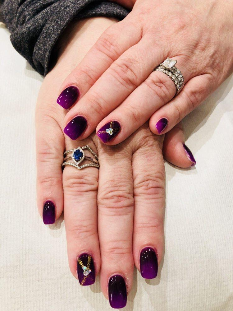 Magic Nails Salon: 106 Burr Ridge Pkwy, Burr Ridge, IL