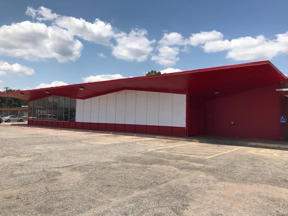 Furniture Flip: 606 W 33rd St N, Wichita, KS