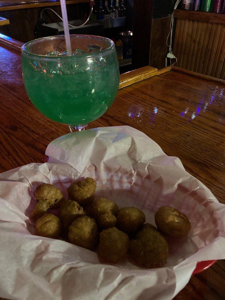 Weekends Tavern: 2065 1st St, Alamosa, CO