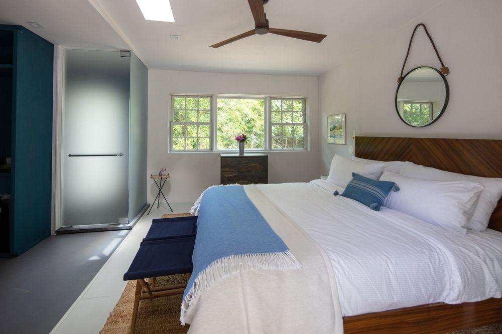 A Room at the Beach: 2668 Montauk Hwy, Bridgehampton, NY