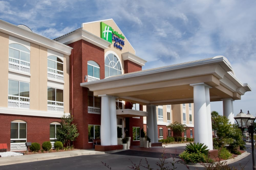 Holiday Inn Express & Suites - Sumter: 2490 Broad St, Sumter, SC