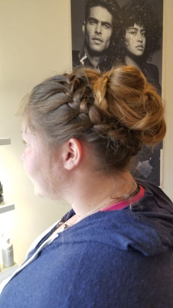 Samantha's Hair Studio: 1223 Main St, Chatham, MA