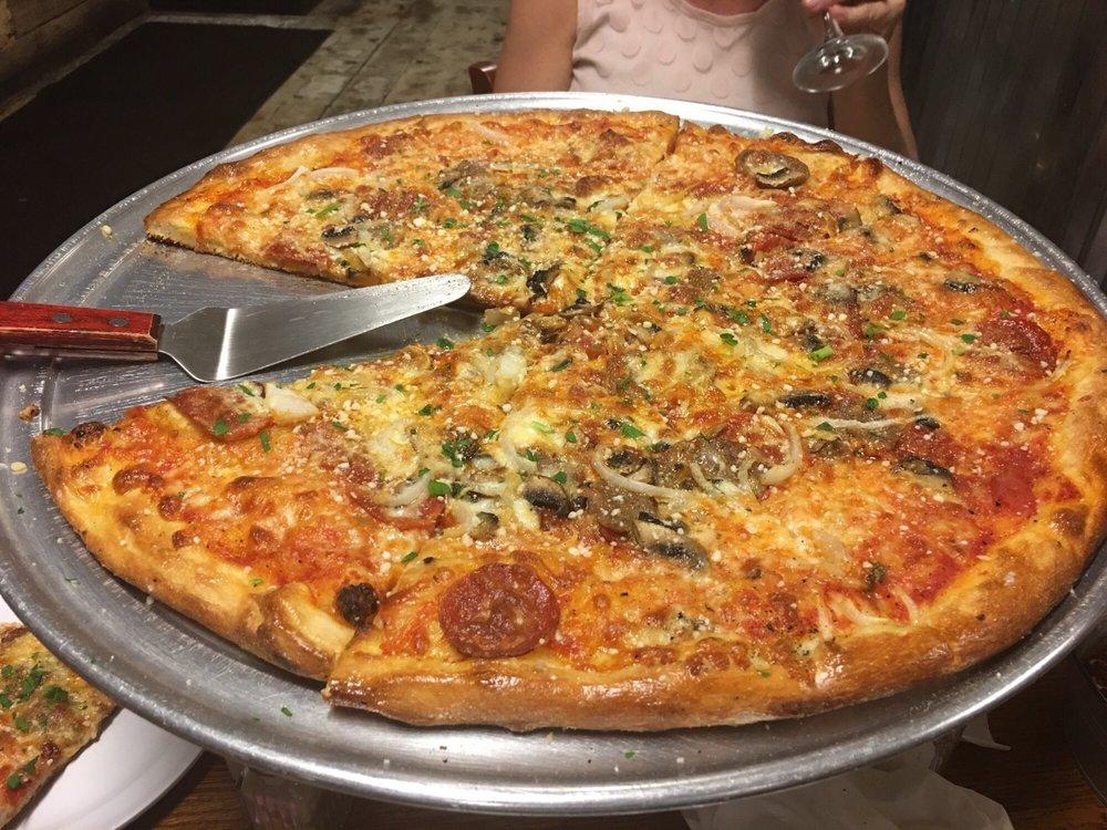 Pioneers Pizza: 4560 Tamiami Trl, Port Charlotte, FL