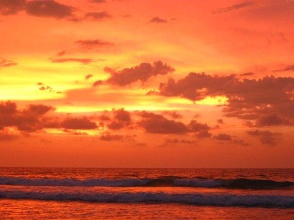 Urbiztondo Beach: San Juan, LUN