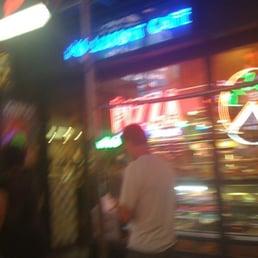 Paramount cafe delikatessbutik 1501 broadway theater for 1501 broadway 12th floor new york ny 10036