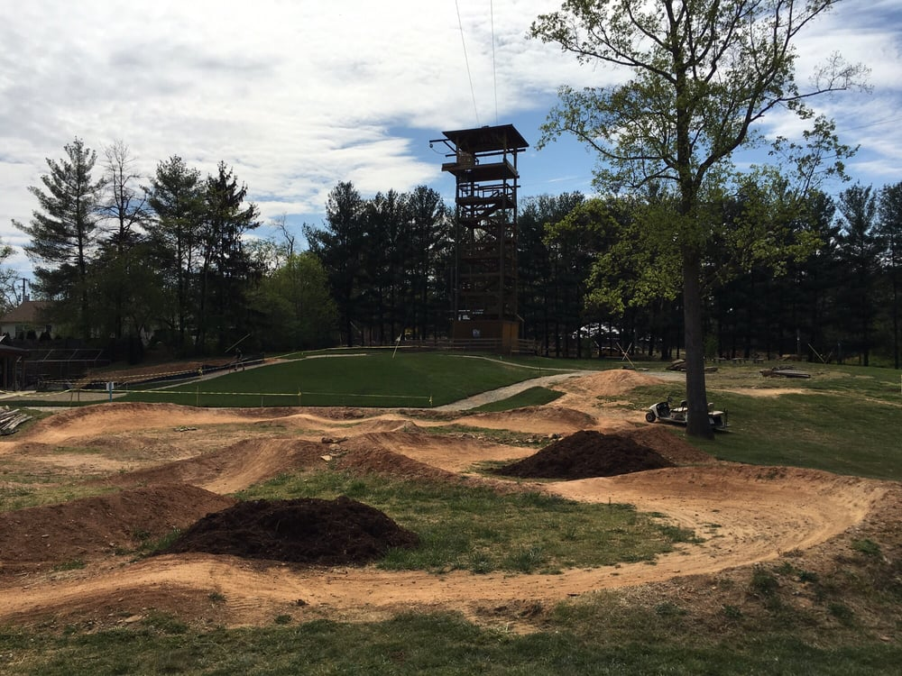 Rooms: Mountain Bike Trails/course With Zip Line Adventure Course