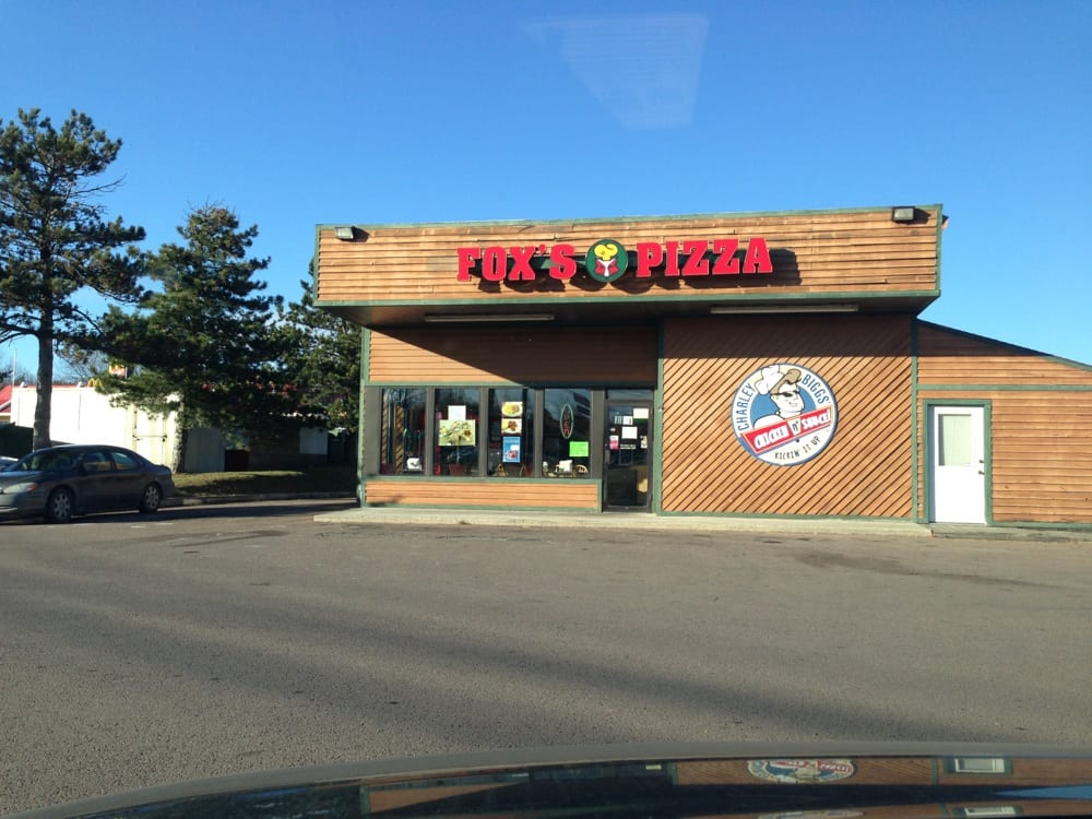 Fox's Pizza Den: 17601 Old National Pike SW, Frostburg, MD