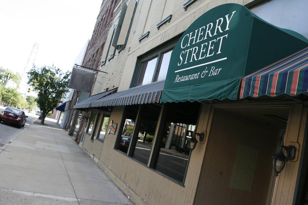 Cherry Street: 57 S Cherry St, Galesburg, IL