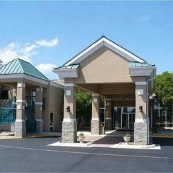Photo Of Holiday Inn Hotel Cedar Falls University Plaza Ia