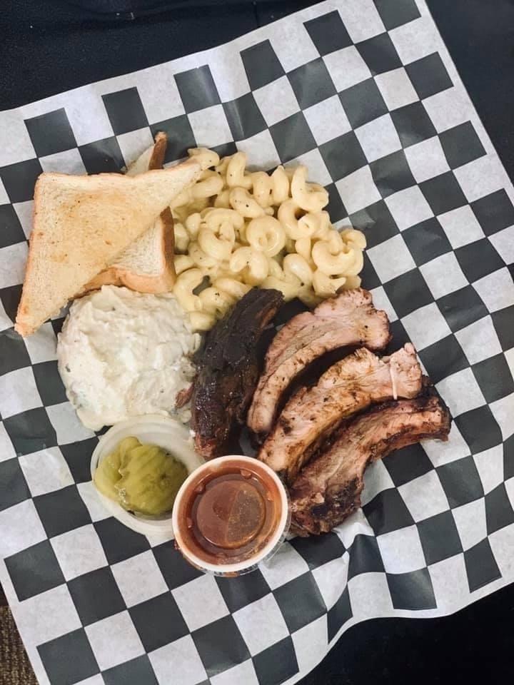 Gran & Pop's BBQ & Burgers: 3812 College Ave, Snyder, TX