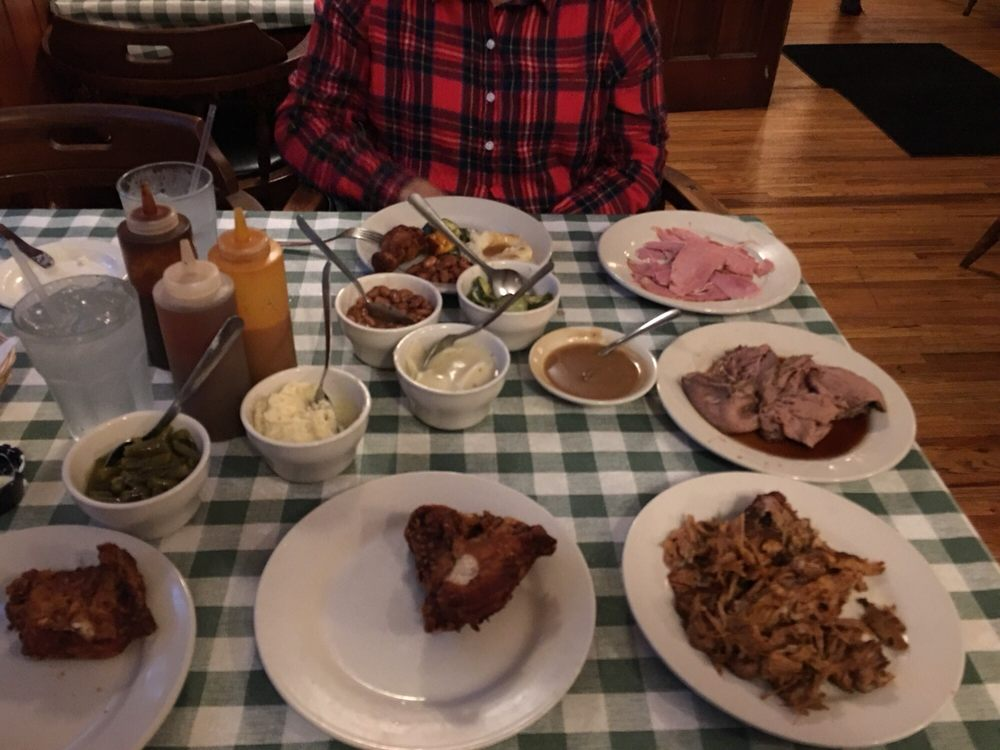 Pine Tavern Restaurant: 611 Floyd Hwy N, Floyd, VA