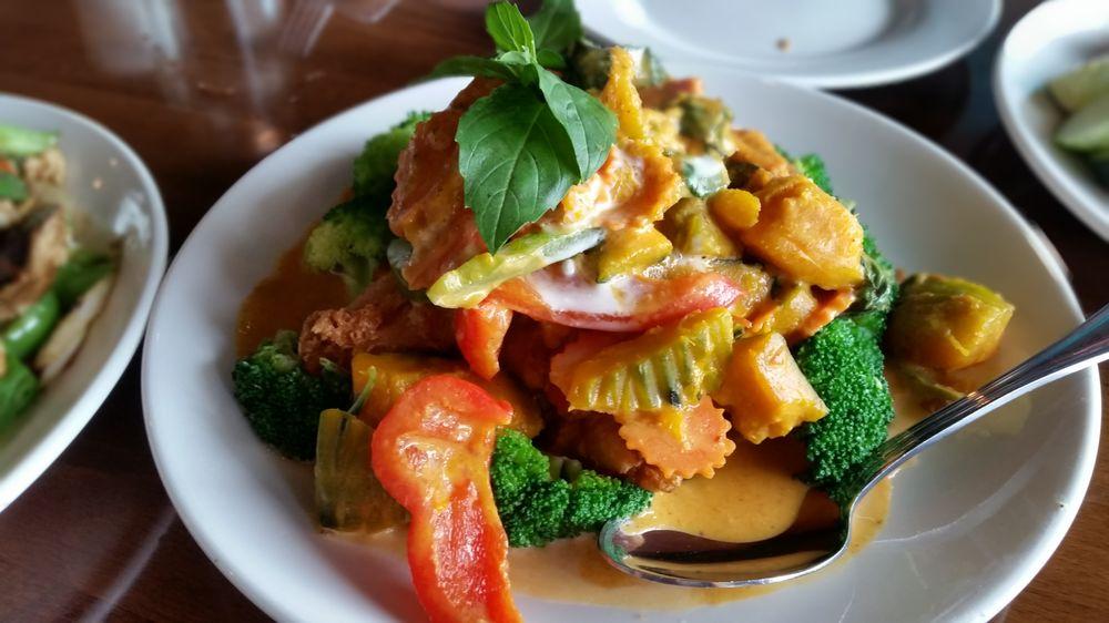 Kin Khao Thai eatery: 1270 Front St, Crescent City, CA