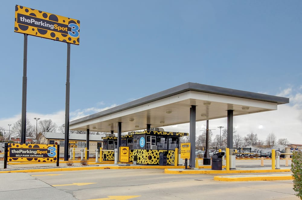 The Parking Spot 3: 4607 Airflight Drive, Saint Louis, MO