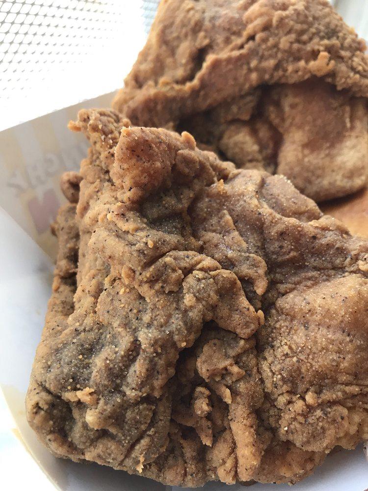 Sunnyside Krispy Krunchy Chicken / Circle K: 2701 N Brea Blvd, Fullerton, CA