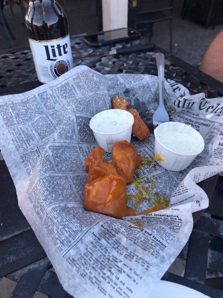 JD's Corner Sports Bar & Grill: 2019 W US Hwy 70, Thatcher, AZ