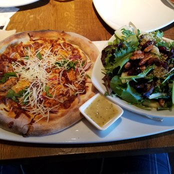 California Pizza Kitchen 52 Photos 115 Reviews Pizza 11677 San Vicente Blvd Brentwood