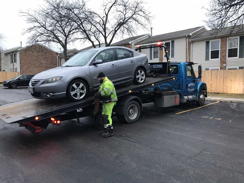 Towing business in Wheaton, IL