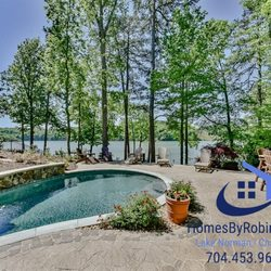 Surprising Lake Norman Homes By Robin 19901 W Catawba Ave Cornelius Home Interior And Landscaping Palasignezvosmurscom