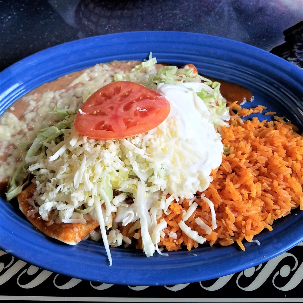 Cilantros Grill & Cantina: 903 W Jackson St, Brazil, IN