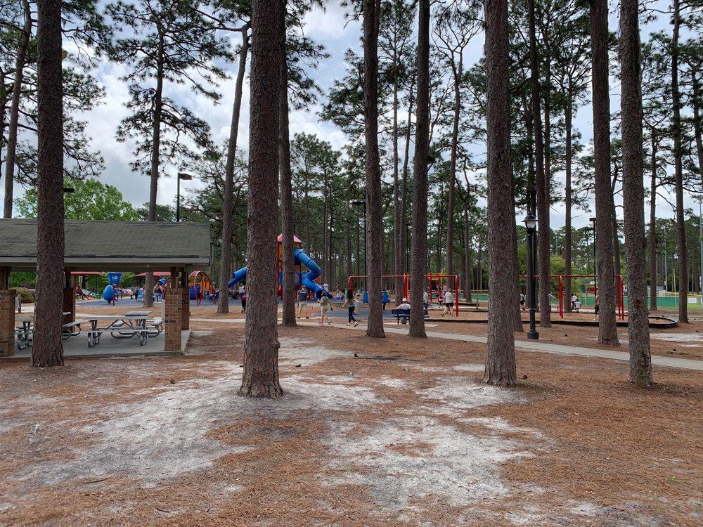 Hugh MacRae Park