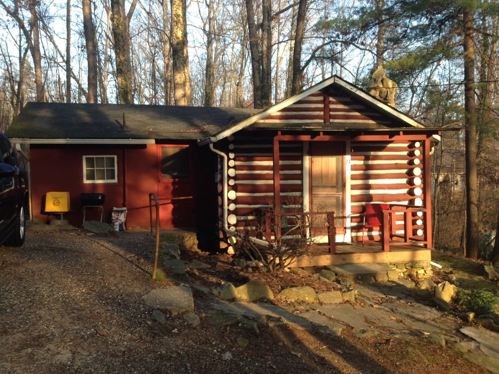 The pines cottages 31 photos hotels 346 weaverville for Places to stay in asheville nc cabins