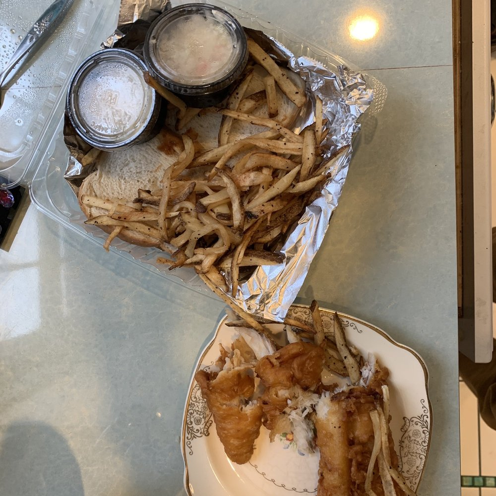 Picnic Hill Market Cafe: 20621 Fairmount Blvd, Shaker Heights, OH