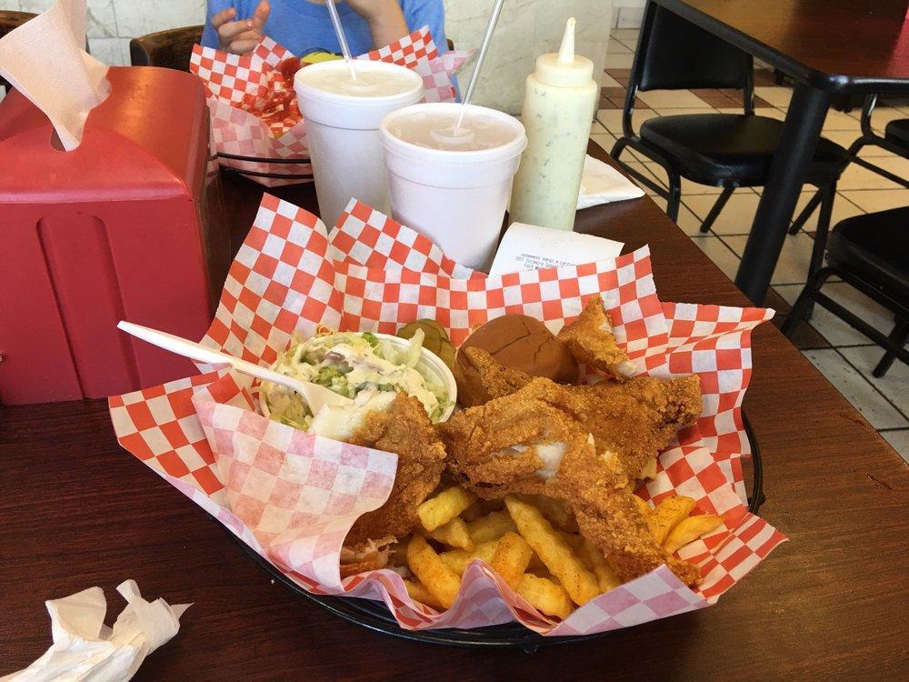 OOOWWWEEE Wangz N Catfish: 3951 Sycamore School Rd, Fort Worth, TX