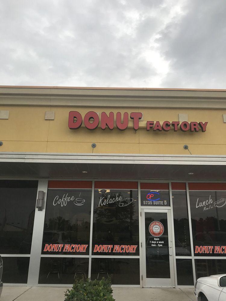 Donut Factory: 5735 Bayport Blvd, Seabrook, TX