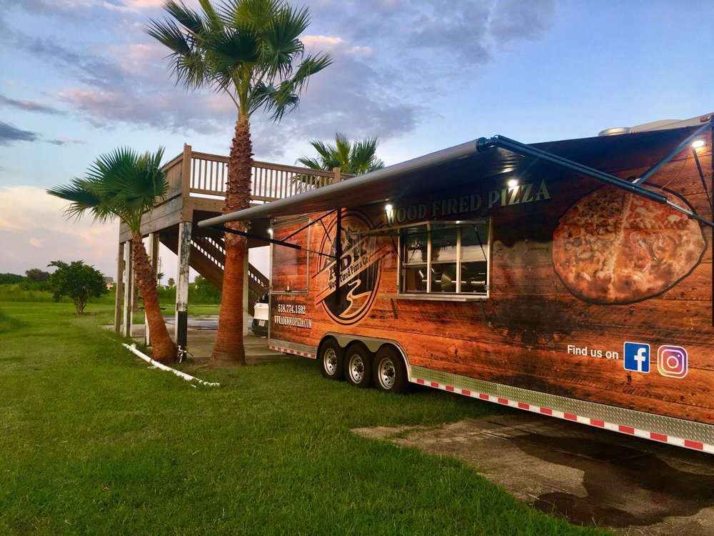 Mamma Mia's Italian Bistro: 2017 Hwy 87, Port Bolivar, TX