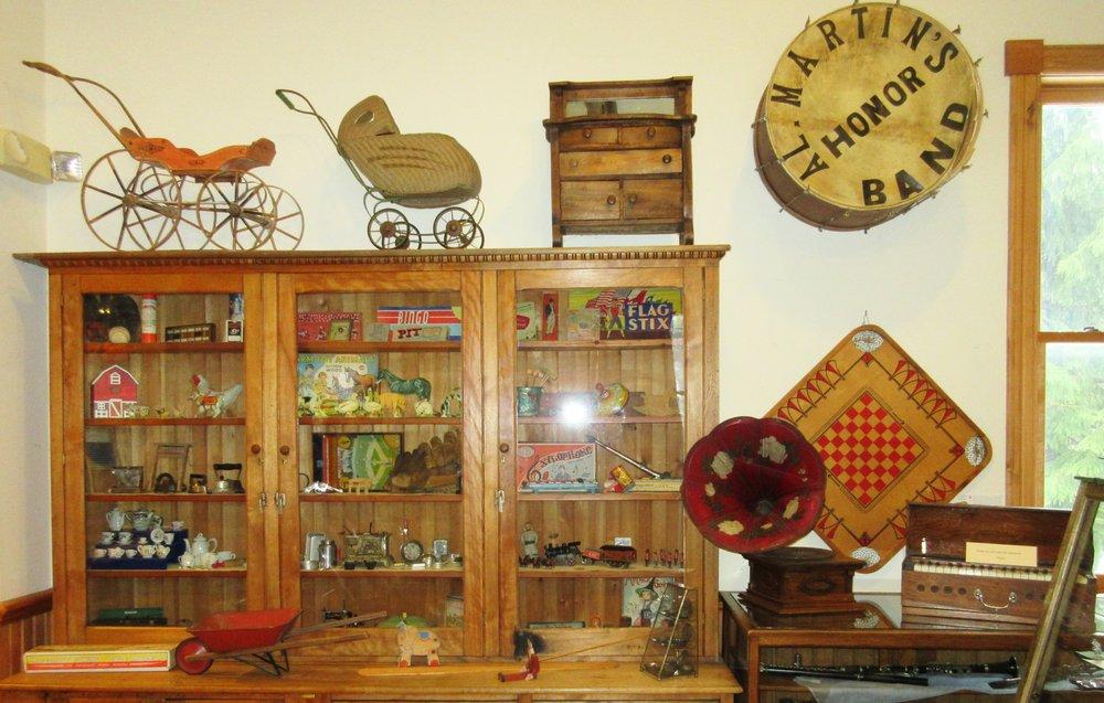 Benzie Area Historical Society & Museum: 6941 Traverse Ave, Benzonia, MI