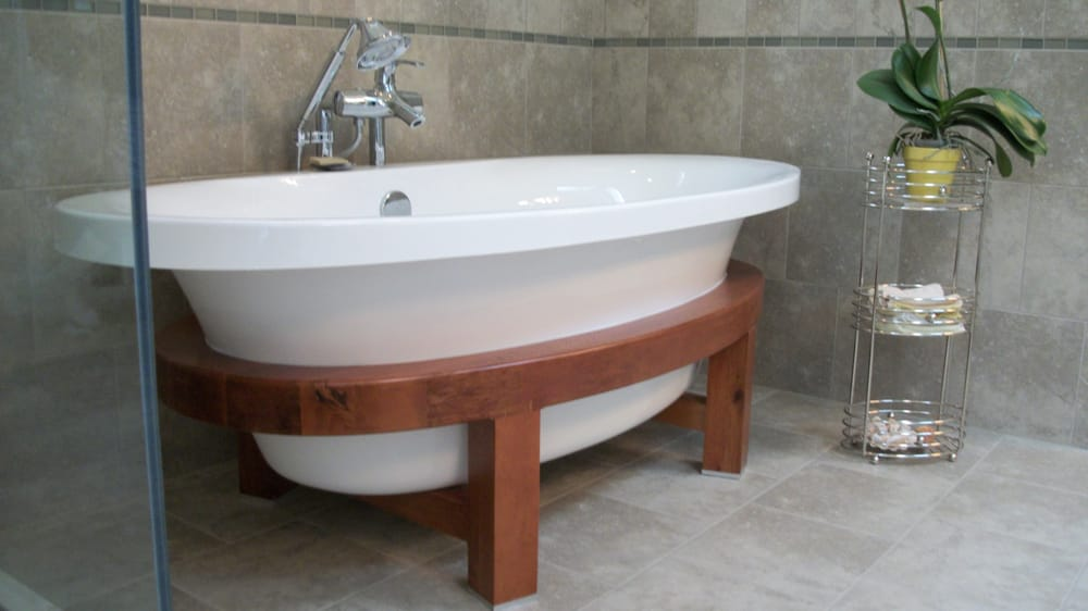 Free Standing Schon Usacwc Tub With Kohler Symbol Roman