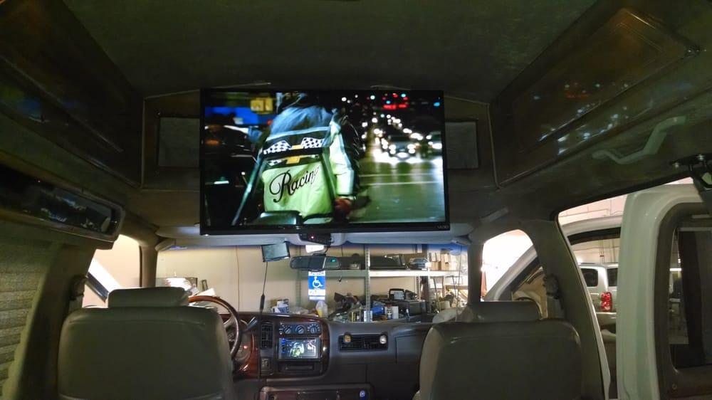 Level Up Car Audio: Milton, WI