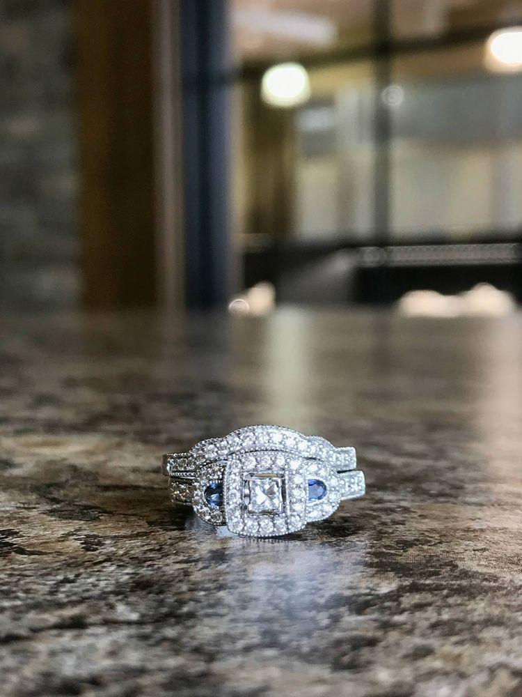 Diamonds Rock: 7855 Kenwood Rd, Cincinnati, OH