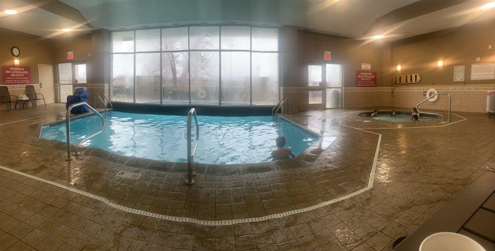 Drury Inn & Suites Columbus Grove City: 4109 Parkway Centre Dr, Grove City, OH