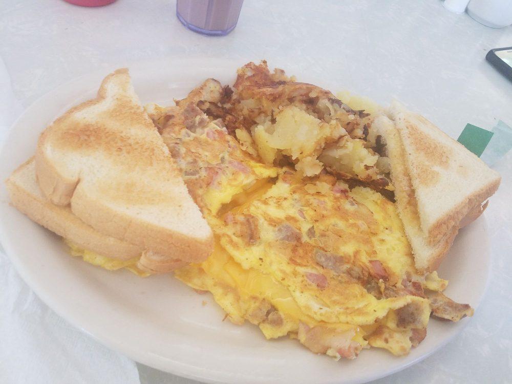 Wolfes Diner: 625 N US 15, Dillsburg, PA