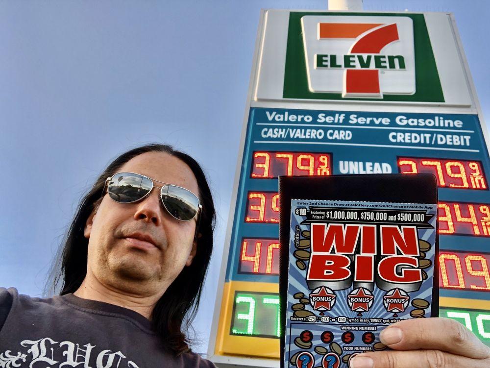 7-Eleven: 33190 Hubert Way, Kettleman City, CA