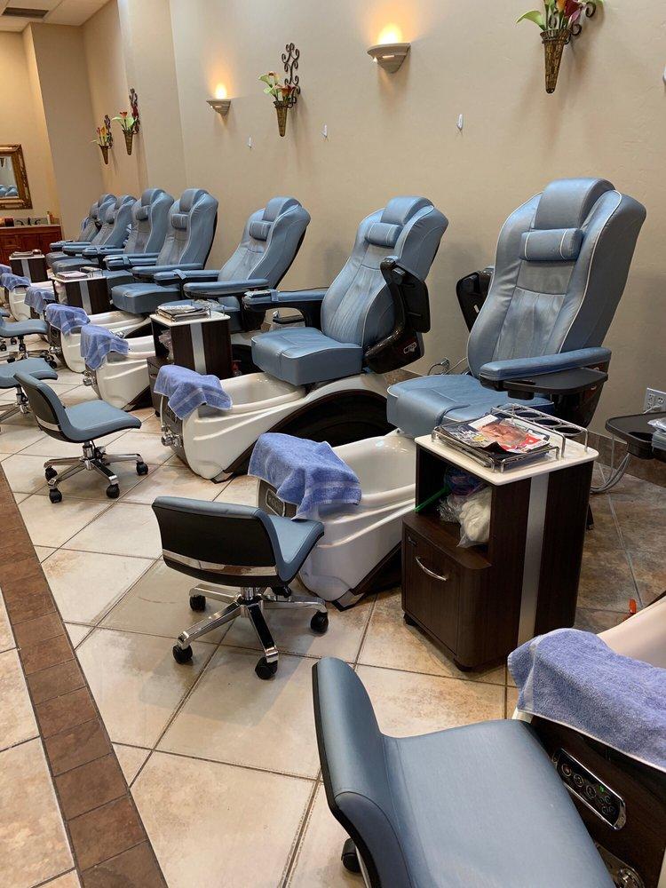 Charlie's Nail & Spa: 3250 Gateway Blvd, Prescott, AZ