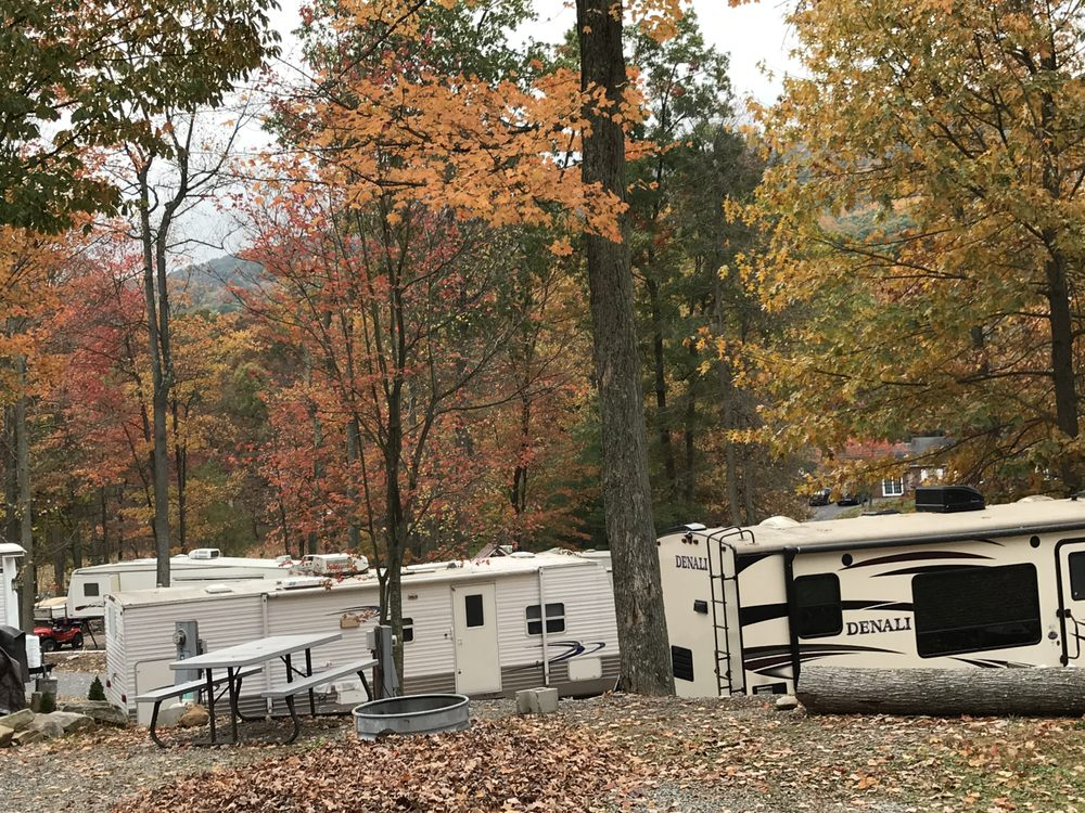 Four Seasons At Raystown Lake Camping Resort: 19366 Little Valley Rd, Saxton, PA